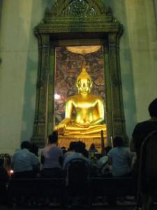 Goldener Riesenbuddha in Bangkok