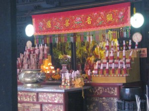 Chinese-new-year-Tempeldienst-inside-Penang-3