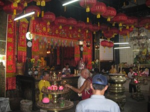 Chinese-new-year-Tempeldienst-Penang