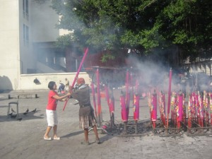 Chinese-new-year-Weihrauch-Penang-2