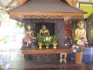 Wat Hauy Mongkhol Schrein