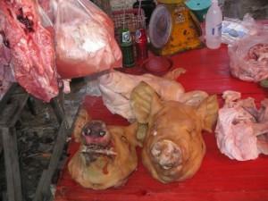 Hua-Hin-supermarkt-schweinskopf