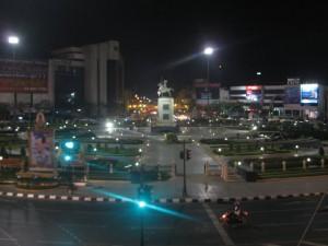 Platz des Taksin Monument