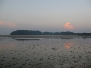 Koh_Phayam-sundown-small-beach
