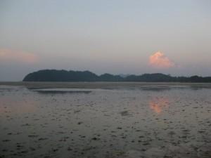 Koh_Phayam-sundown-small-beach